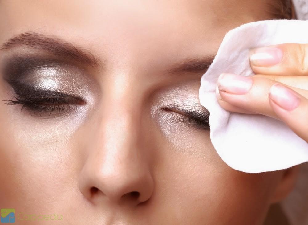 Чем снимать макияж с глаз девчонки как сделать свою смывку