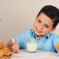 Anak Akan Selalu Ceria dengan Rutin Sarapan