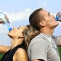Fakta, Minum Air Berlebihan pun Bisa Berbahaya