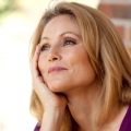 Tips Wanita Hidup Bahagia di Usia 40-an